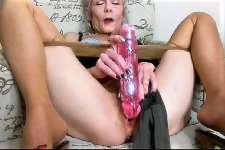 Jacking off on tits